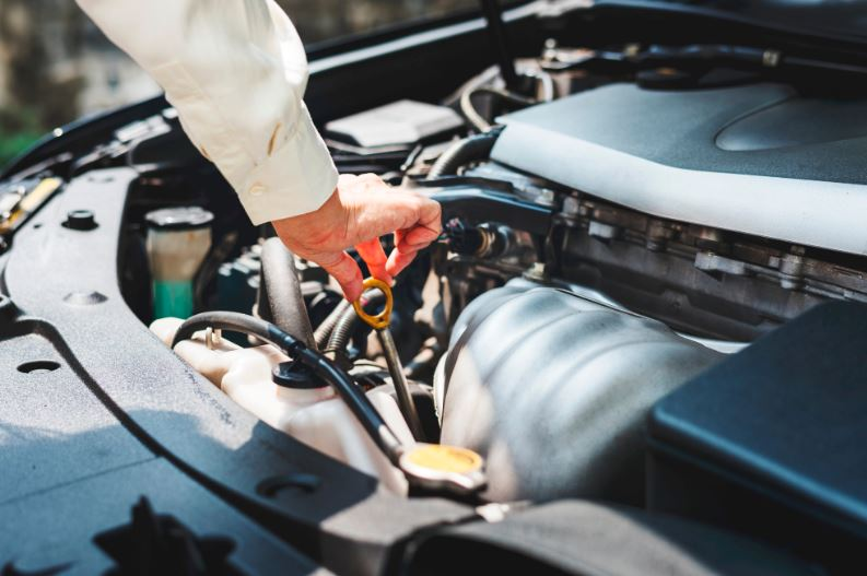 5 Warning Signs That Your Vehicle Needs Maintenance