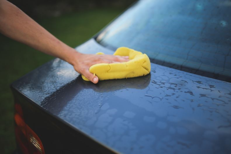 10 Detailing Tips To Keep Your Vehicle Looking New