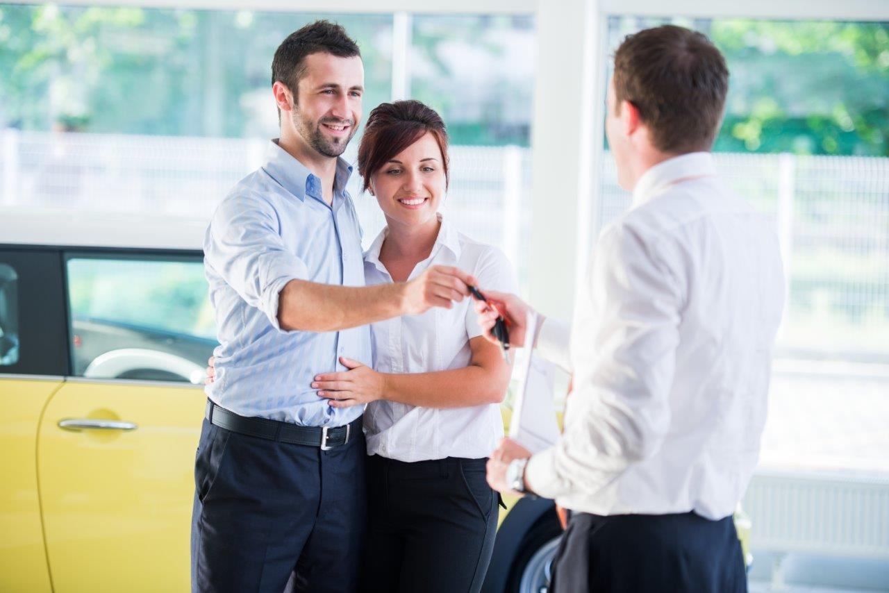 7 THINGS ALL FIRST TIME CAR BUYERS SHOULD KNOW