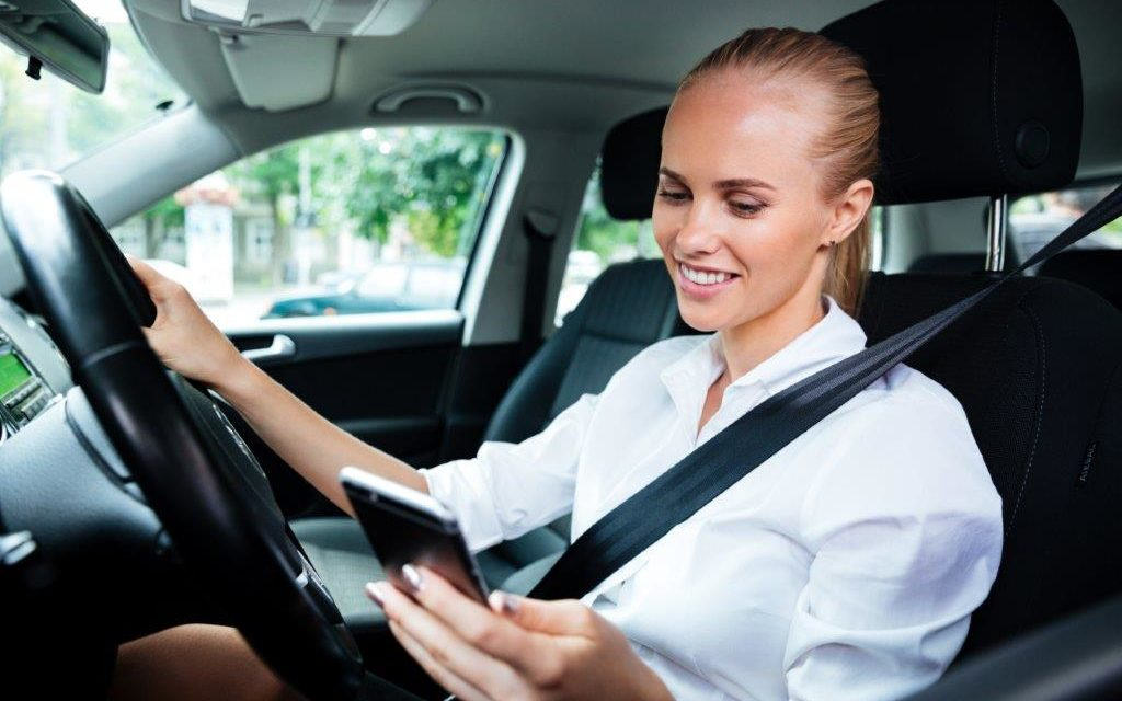 The 5 Coolest Ways Cars Can Interact With Your Smartphone